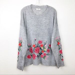 Umgee Gray Embroidered Floral Sweater L